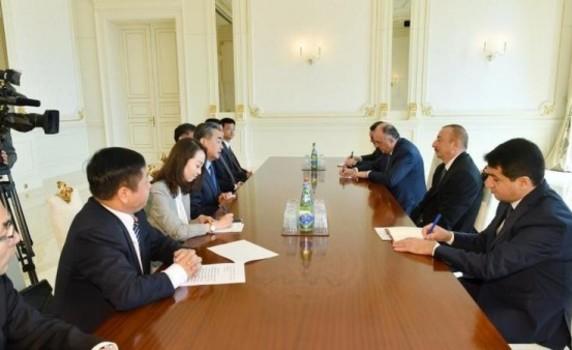 İlham Əliyev Çinin Xarici İşlər nazirini qəbul etdi