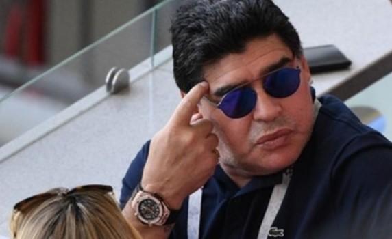 Maradona polis tərəfindən saxlanılıb - SƏBƏB