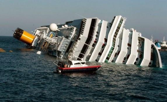 SON DƏQİQƏ: Nəhəng gəmi battı - Yüzlərlə insan ÖLDÜ