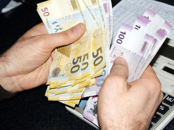 Bakıda orta maaş 800 manata çatır - STATİSTİKA