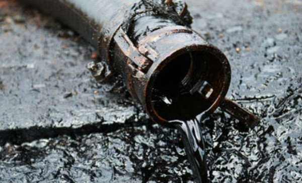 Ötən ay gündəlik neft hasilatı 790 min barel olub