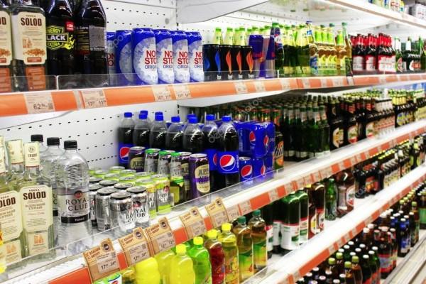 Spirtli və spirtsiz içkilərin, qazlı suların və siqarların gömrük rüsumları artırılıb