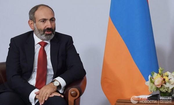 """Nikol Paşinyan: """"İnqilab etdik amma pul vermədilər"""""""