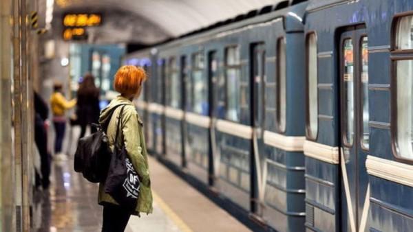 SON XƏBƏR - Metrodan istifadə edənlərə ŞAD XƏBƏR