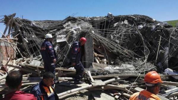 Türkiyədə PARTLAYIŞ - Yaşayış binası dağıldı