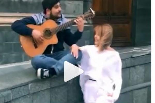 """Aygün Kazımova """"Tarqovı""""da gənclə görün nə etdi - VİDEO"""