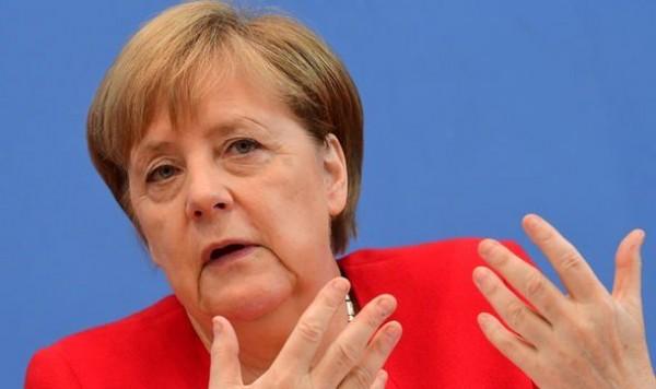 Merkel səhhəti ilə bağlı açıqlama verdi