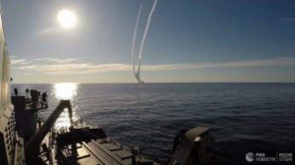 Rusiya dənizdən ballistik raketləri buraxdı