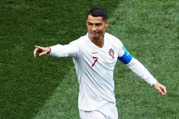 Ronaldo bunu da bacardı