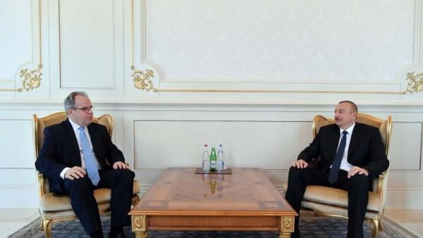 Prezident Latviya səfirini qəbul etdi - FOTO