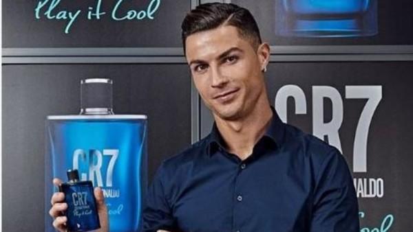 Ronaldo yeni ətrini təqdim etdi