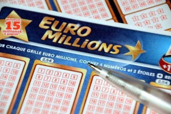 Britaniyalı lotereyada 170 milyon funt uddu və rekorda imza atdı