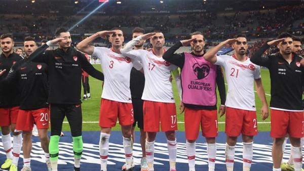 """UEFA türklərin """"əsgər salamı""""na görə intizam işi açdı"""