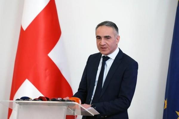 Gürcüstanda nazir İSTEFA VERDİ