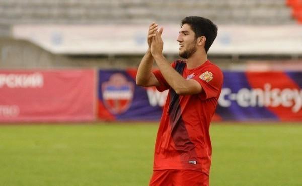 Rusiya klubu azərbaycanlı futbolçu ilə müqavilənin müddətini uzatdı