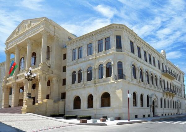 Baş Prokurorluq: Korrupsiyaya yol vermiş orta məktəb direktoru ifşa edilib