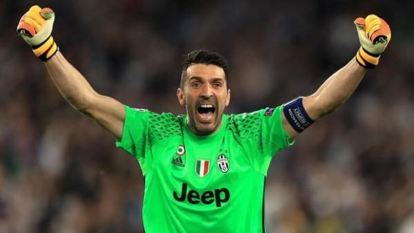 Buffon yeni rekorda imza atdı