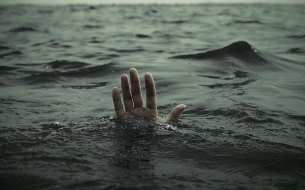 Dənizdə batan uşağı xilas edən 11 nəfər boğuldu