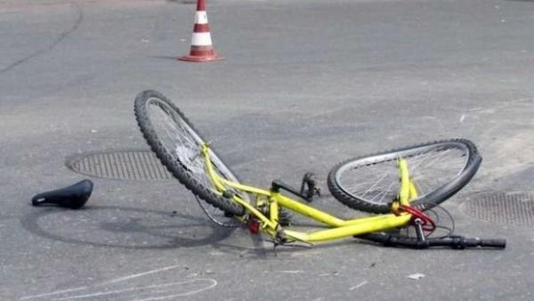 Bakıda avtomobil velosiped sürən yeniyetməni vurdu