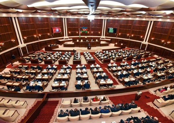 DİQQƏT: Milli Məclisdə uşaqpulu ilə bağlı işçi qrup yaradıldı