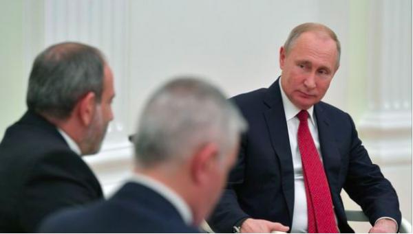 İDDİA: Putin Paşinyanın tələbini rədd etdi