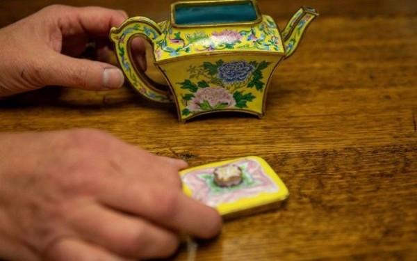 Qədim çaydan auksionda yarım milyon dollara satıldı - FOTO