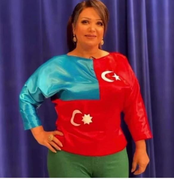 Hamı Mənzurənin bu geyimini tənqid edir - Foto