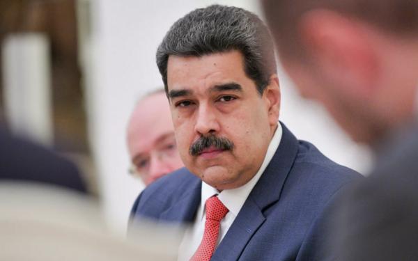 """Venesuela rəhbəri teleqram, vatsap nömrəsini paylaşdı: """"Məni qruplarınıza əlavə edin"""""""