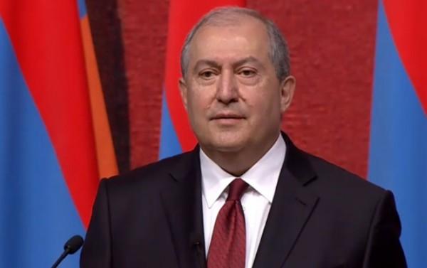 Ermənistan prezidenti xəstəxanaya yerləşdirildi