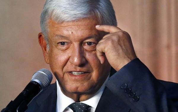 Meksika Prezidenti tvitteri tərəf tutmaqda ittiham etd