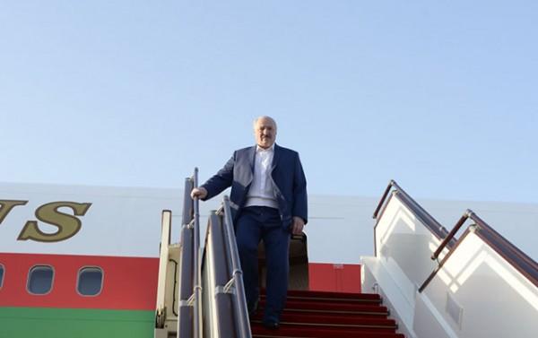 Lukaşenko Bakıya gəldi - Fotolar