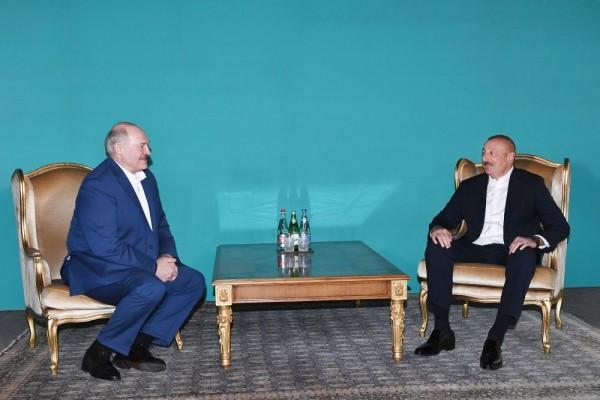 Azərbaycan Prezidenti İlham Əliyev ilə Belarus Prezidenti Aleksandr Lukaşenkonun qeyri-rəsmi görüşü olub