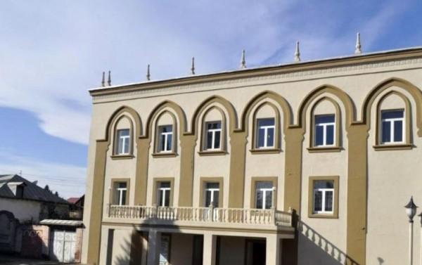 Gəncə Dram Teatrı may repertuarını açıqlayıb