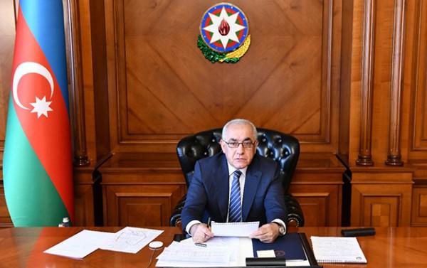 Əli Əsədov icra başçılarını topladı