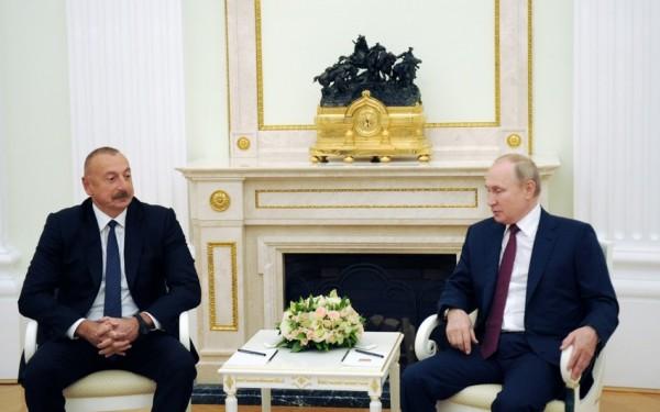 İlham Əliyev Rusiyaya gedib, Vladimir Putinlə görüşü başlayıb - FOTO - YENİLƏNİB