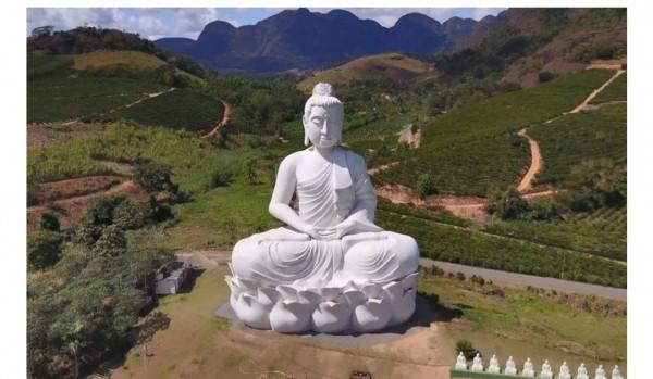 Braziliyada nəhəng Budda heykəli ucaldılıb