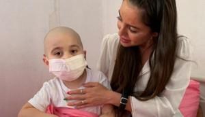 Leyla Əliyeva Elmi-Tədqiqat Hematologiya və Transfuziologiya İnstitutunda müalicə alan uşaqlara baş çəkdi