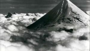 Alyaskada vulkan püskürdü