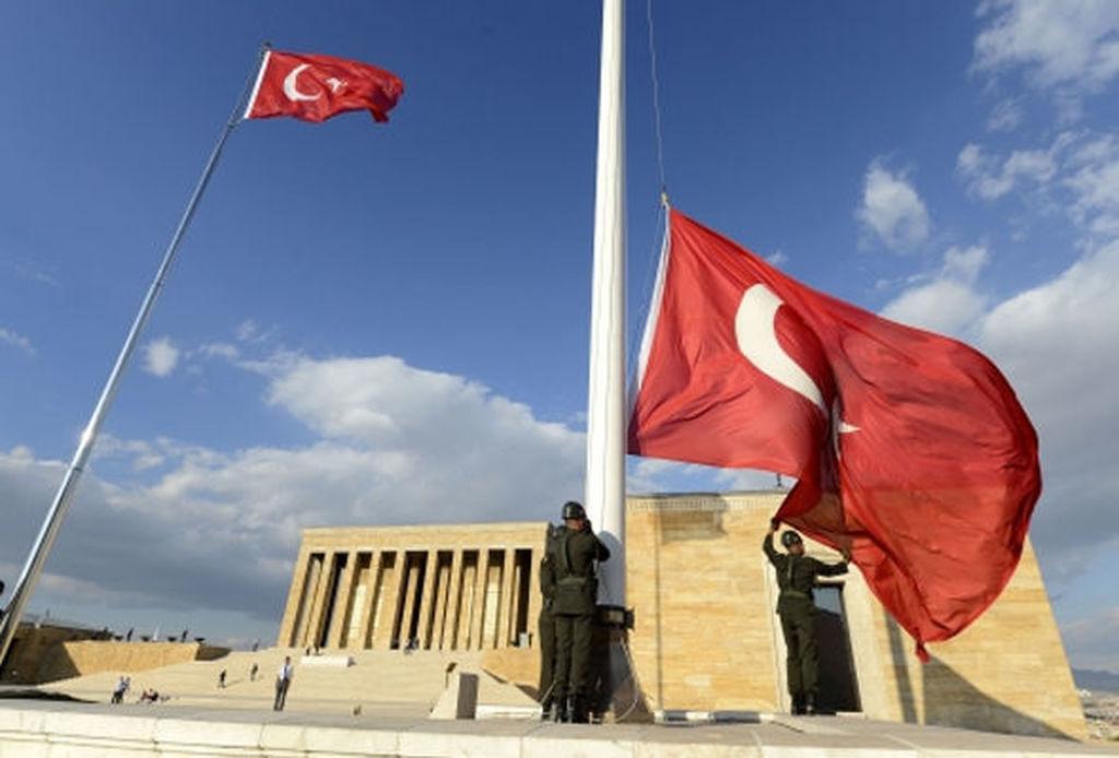 Türkiyədə üç günlük matəm elan edildi